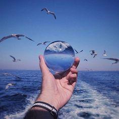 Aproape nimeni nu are curajul de a fi fericit pe cont propriu. Toată lumea vrea să fie fericită ca toți ceilalți.  Gabriel Bonnot de Mably - #LUNAALA