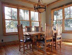 Farmhouse living room paint colors with wood trim Ideas Natural Wood Trim, Oak Wood Trim, Wooden Trim, Pine Trim, Stained Wood Trim, Natural Light, Bedroom Paint Colors, Paint Colors For Living Room, Wall Colors