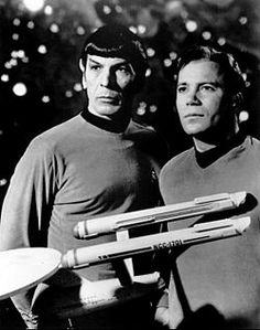 Publicity photo of Leonard Nimoy and William Shatner as Mr. Spock and Captain Kirk from the television program Star Trek. Star Trek 2009, Star Trek Tv, Star Trek Series, Star Wars, Star Trek Original, Leonard Nimoy, William Shatner, Jonathan Frakes, Star Trek Into Darkness
