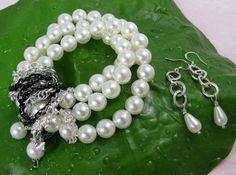 Pearl Bracelet, so cute!