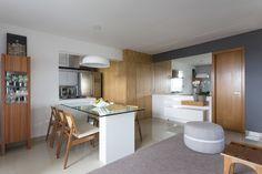 Sala de Jantar e Entrada : Salas de jantar modernas por Haruf Arquitetura + Design