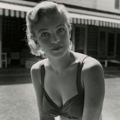 Marilyn Monroe, 1950. Photograph by Earl Leaf.