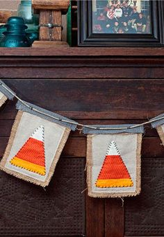 Create this cute DIY Candy Corn Banner for Halloween out of burlap, muslin and a little spare fabric! Maybe without the muslin and alternately flip the candy corn. Halloween Christmas, Halloween Crafts, Happy Halloween, Halloween Decorations, Halloween Activities, Halloween Ideas, Fun Crafts To Do, Fall Crafts, Holiday Crafts