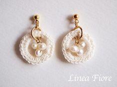 crochet pearl earrings: