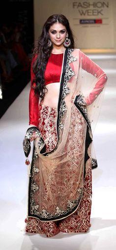 Aditi Rao Hydari at the Lakme Fashion Week Day 4 #Bollywood #Fashion #LFW