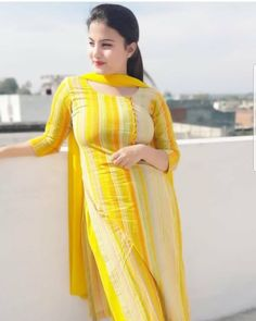Top 50 Desi Look Women Wallpapers Punjabi Salwar Suits, Patiala Salwar, Anarkali, Salwar Designs, Kurti Designs Party Wear, Blouse Designs, Beautiful Suit, Beautiful Girl Indian, Most Beautiful Indian Actress