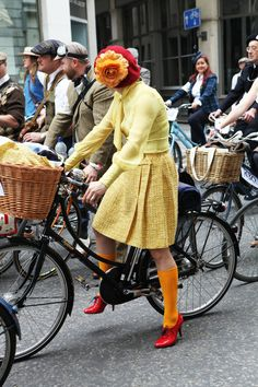 London Tweed Run; I see Wilsonart isn't the only one who loves tweed! Her fabulous shoes coordinate with our Tweedish design!