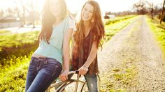 Female friendship photography. Tips and tricks for girlfriends ...