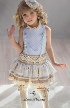 Инна Дмитрук Little Girl Models, Little Girl Fashion, Little Girl Dresses, Kids Fashion, Girls Dresses, Outfits Niños, Kids Outfits, Baby Dress, Cute Dresses