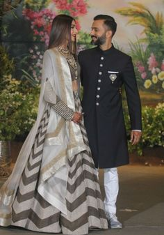Shah Rukh, Salman Khan, Anil Kapoor Dancing With The Newlyweds Will Make Your Day Indian Bridal Outfits, Indian Fashion Dresses, Sonam Kapoor Wedding, Indian Reception, Wedding Reception, Lehenga Designs, Indian Hairstyles, Trendy Hairstyles, Bollywood Fashion