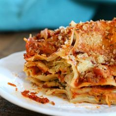 Cauliflower Alfredo Spinach Artichoke Lasagna by Vegan Richa (easy to make PD) Alfredo Lasagna, Alfredo Sauce, Vegetarian Recipes, Cooking Recipes, What's Cooking, Delicious Recipes, Yummy Food, Healthy Recipes, Vegan Pasta