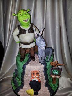 Shrek - by Lucia Busico @ CakesDecor.com - cake decorating website