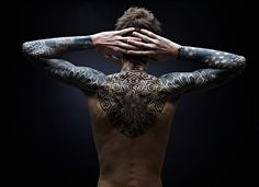 There is vast variety of back tattoo designs available and individuals can pick any one of them according to their choice, taste and preference. Tattoos can Bild Tattoos, Body Art Tattoos, Tribal Tattoos, Sleeve Tattoos, Arm Tattoos, Geometric Tattoo Inspiration, Mysterious Tattoo, Sacred Geometry Tattoo, Geometric Sleeve