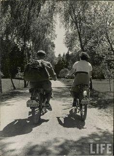 Bike touring, 1940s