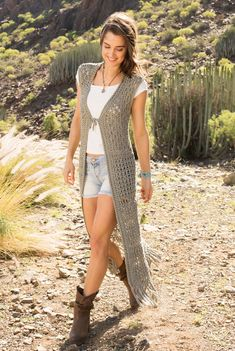 Crochet Poncho Patterns, Crochet Coat, Crochet Shawls And Wraps, Crochet Cardigan, Crochet Clothes, Crochet Vest Outfit, Long Vest Outfit, Cardigan Lang, Crochet Bathing Suits