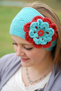 Awesome-looking! I want to make that. I probably have yarn to do it too! --Pia (aqua and red)