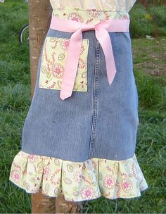 FREE Pattern/Tutorial to make this longer denim half apron. - You use only one leg of a pair of jeans (so could make one for you and one for a daughter or friend).  Lots of photos provided to help out.