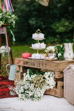Gay wedding inspiration, Autumn wedding, outdoor wedding, wedding picnic, Styling by wedding planner Matthew Oliver, Photography by Hayley Savage Please mention that you found them thru Jevel Wedding Planning's Pinterest Account.    Keywords: #lgbtweddinginspiration #gayweddingideas #jevelweddingplanning Follow Us: www.jevelweddingplanning.com  www.facebook.com/jevelweddingplanning/