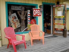 cool antique store in Sanibel Island, FL Florida Style, Florida Girl, Florida Home, Fort Myers Florida, Places In Florida, Wood Boards, Captiva Island, Air B And B, Trading Post