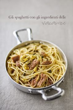 spaghetti al tonno, limone, capperi e origano