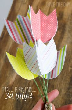 Easter Printables:: FREE Paper Tulips & Tutorial by Lindi Haws of Love The Day - Frühlingsfest - Diy Flowers, Paper Flowers, Diy Valentine's Pillows, Diy And Crafts, Crafts For Kids, Preschool Crafts, Easter Ideas, Free Paper, Ladies Day