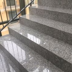 www.everfloor.hu #márványcsiszolás #mészkőcsiszolás #betoncsiszolás #gránitcsiszolás #terrazzocsiszolás #grescsiszolás #műkőcsiszolás #padlócsiszolás Granite Table Top, Granite Slab, Granite Stone, Granite Countertops, Curb Stone, Types Of Granite, Tile Showroom, Construction Materials, Classic Elegance