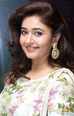 Indian Actress Images, Tamil Actress Photos, Indian Actresses, Beautiful Girl Indian, Beautiful Indian Actress, Beautiful Actresses, Beautiful Saree, Bollywood Cinema, Bollywood Photos
