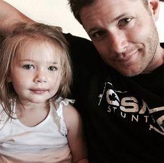 Jensen Ackles est sur Instagram | HollywoodPQ.com