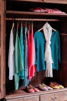 Spring fashions are in at Cracker Barrel! Stop by to find the perfect tops, scarves, shoes and more for the new season.