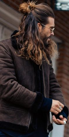 21 Sexiest Long Hairstyles for Men to rock in 2020 Half Man Bun Hairstyle for Men to try<br> Long hair is a sign of power and freedom. Today, we have so many men rocking the long hair look. Here are 21 Sexiest Long Hairstyles for Men to rock in 2020 Man Bun Hairstyles, Mens Hairstyles With Beard, Boys Long Hairstyles, Hair And Beard Styles, Curly Hair Styles, Wedding Hairstyles, Mens Long Hair Styles, Man Bun Styles, Crazy Hairstyles