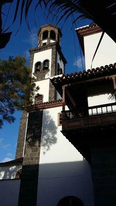 Torre de la iglesia La Concepción,  Santa Cruz de Tenerife. Foto de Alberto García.