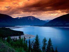 Floder - gratis skrivbordsunderlägg: http://wallpapic.se/landskap/floder/wallpaper-708