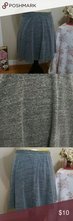 Heather gray skater skirt Full circle skirt in soft cotton poly rayon blend. Elastic waistband makes this as comfortable as it is stylish. Make an offer / bundle and save! Mossimo Supply Co Skirts Circle & Skater