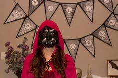 Ya podemos desvelar el secreto del disfraz de #halloween . Que os parece? Os gustaría que os expliquemos como hacer este maquillaje espeluznante? #halloween2014 #disfraz #costume #caperucita #lobo #littleredridfinghood #wolf #mycraftybirds Decoupage, Wolf, Darth Vader, Halloween, Fictional Characters, Creepy Makeup, Costume, Candy Buffet, Candy Stations