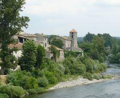 """Le Portail de Gîtes, de Meublés de Tourisme & de Chambres d'Hôtes http://www.trouverunechambredhote.com/ a décidé de vous faire mieux connaître les Villes & Villages de France, aujourd'hui nous nous rendons à LANAS dans le Département de L'ARDÈCHE.  LANAS, le nom de ce village signifie en ardéchois """"laine de mouton"""", la population de la région ayant longtemps été constituée de tisserands. Il subsiste des vestiges du château des Balazuc datant du XIVe siècle"""