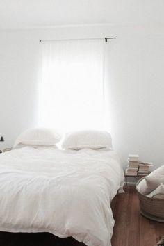 21 Rustic Living Room Furniture Ideas to Warm Up Your Home - The Trending House Home Bedroom, Bedroom Decor, Bedroom Linens, Budget Bedroom, Dream Bedroom, Minimal Bedroom, Ideas Hogar, White Rooms, Bedroom Styles