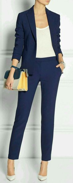 Women love outfits to match with their shoes. Work outfits for example, it can looks good with heels, boots, loafers and many more. But today, we'll focus on a work outfit ideas to pair with loafers. Mode Outfits, Office Outfits, Casual Outfits, Heels Outfits, Casual Shorts, Office Uniform, Navy Blue Outfits, Office Wear Women Work Outfits, Classy Work Outfits