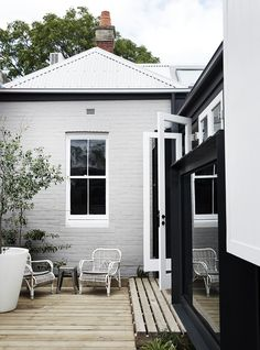 Exterior Paint Colors - You want a fresh new look for exterior of your home? Get inspired for your next exterior painting project with our color gallery. Exterior Paint Colors, Exterior House Colors, Paint Colors For Home, Exterior Design, Grey Exterior, Exterior Shutters, Exterior Homes, Black Trim Exterior House, Weatherboard Exterior