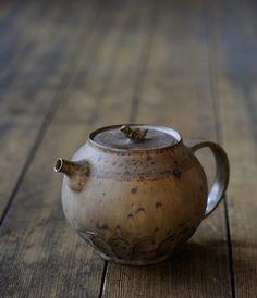decordiaries: Ceramic Teapot by Norikazu Oe
