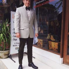 Man Suit was made in Lemona leather & Tailor shop on slim fit style Was great style for his Wedding please contact me if you need Tailor e mail : thebalileather@gmail.com whatsapp : +6281236099118 Also check our site www.thebalileather.com  i could do everythings tailor made  #mansuit #dinnersuit #trousers #shirt #vest #manstyle #maninfashion #outfit #tailorinbali #tailorshopinbali #highclass #leathershopandtailorseminyak #fashion #woolfabric #slimfit #fashionbloggers #goodqu