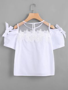 Shop Appliques Keyhole Back Bow Tie Detailed Top online. SheIn offers Appliques Keyhole Back Bow Tie Detailed Top & more to fit your fashionable needs. Teen Fashion Outfits, Chic Outfits, Girl Fashion, Girl Outfits, Dressy Tops, Casual Tops For Women, Blouses For Women, Kids Dress Wear, Casual Day Dresses