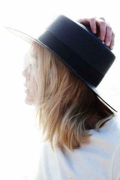 hat hair never looked so good // #hair #hathair #choppylocksॐ☚★ #ONELOVE #chinashavers  #keepcalmtaketheblack  #theeblackunicorn #black #unicorn   #<3