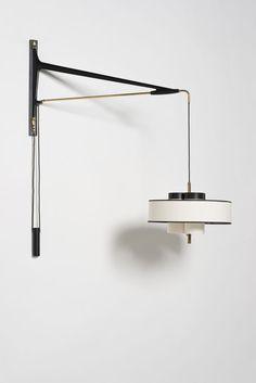 Piasa Arlus  Applique contre-poids  Métal, laiton  Date de création : années 1950  H 130 × L 83 × Ø 40 cm