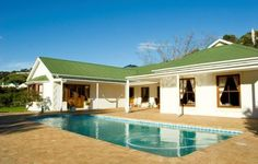This self catering property offer wide open spaces and spectacular mountain views that equates to peaceful getaways for families and friends. Holiday Accommodation, House 2, Mountain View, Places Ive Been, South Africa, Catering, Entrance, Cape, Open Spaces