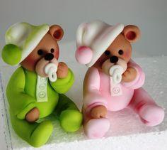 viorica's cakes: Alte jucarii dulci - teddy bears in pj's Fondant Cake Toppers, Fondant Cakes, Cake Decorating Tips, Cookie Decorating, Teddy Bear Cakes, Teddy Bears, Baby Bears, Clay Bear, Fondant Animals