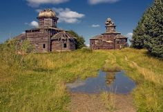 """Russian abandoned antique churches, """"Our Motherland would never call us again"""""""