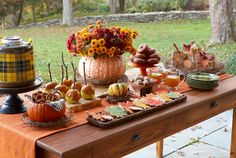 52 Wonderful Fall Party D?cor Ideas : 52 Cool Fall Party D?cor Ideas With Outdoor Dining Table Setting And Pumpkin Flower Fruit Decor Dessert Party, Party Desserts, Dessert Tables, Buffet Tables, Dessert Buffet, Otoño Baby Shower, Fiesta Baby Shower, Baby Shower Themes, Shower Ideas