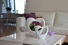Liebevolle Geschenkideen zum Muttertag - da geht moderne Keramik mit schicken Blumen immer!  VALENTINO Wohnideen