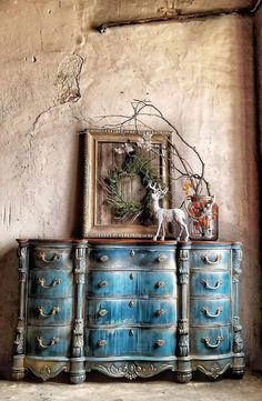 Blue Furniture, Chalk Paint Furniture, Hand Painted Furniture, Colorful Furniture, Shabby Chic Furniture, Furniture Projects, Furniture Makeover, Dresser Makeovers, Furniture Refinishing