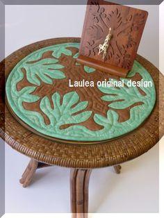 サイドテーブルにキルト - Hawaiian quilt Laulea